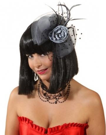 Minihut Melissa mit Blütenschmuck Auftritt Accessoires Bühne Dam